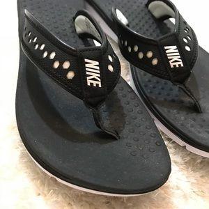 34503fce04a Nike Shoes - Nike flex motion thong black flip flop Slipper 11